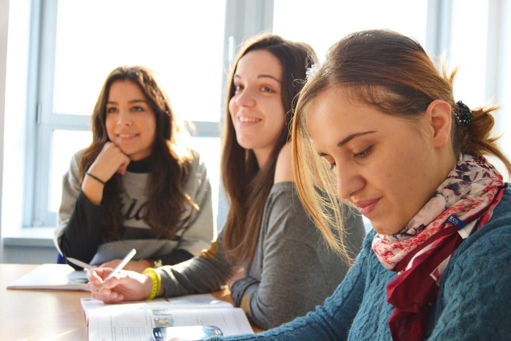 3 students interning