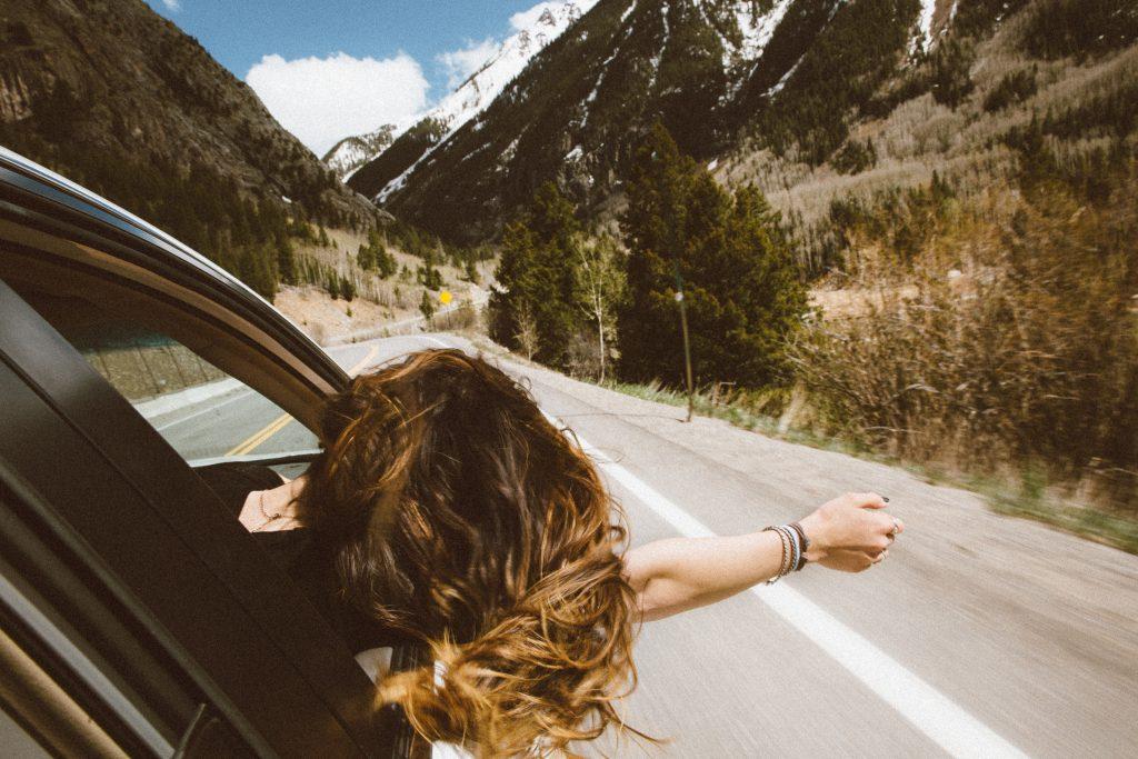 woman leasing a car