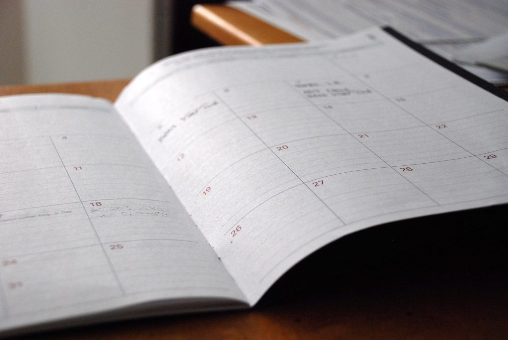making a financial calendar